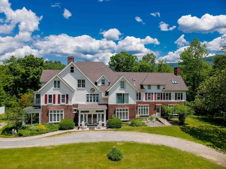 Your own VT Private Mansion! 15 bedrooms & 13 bath