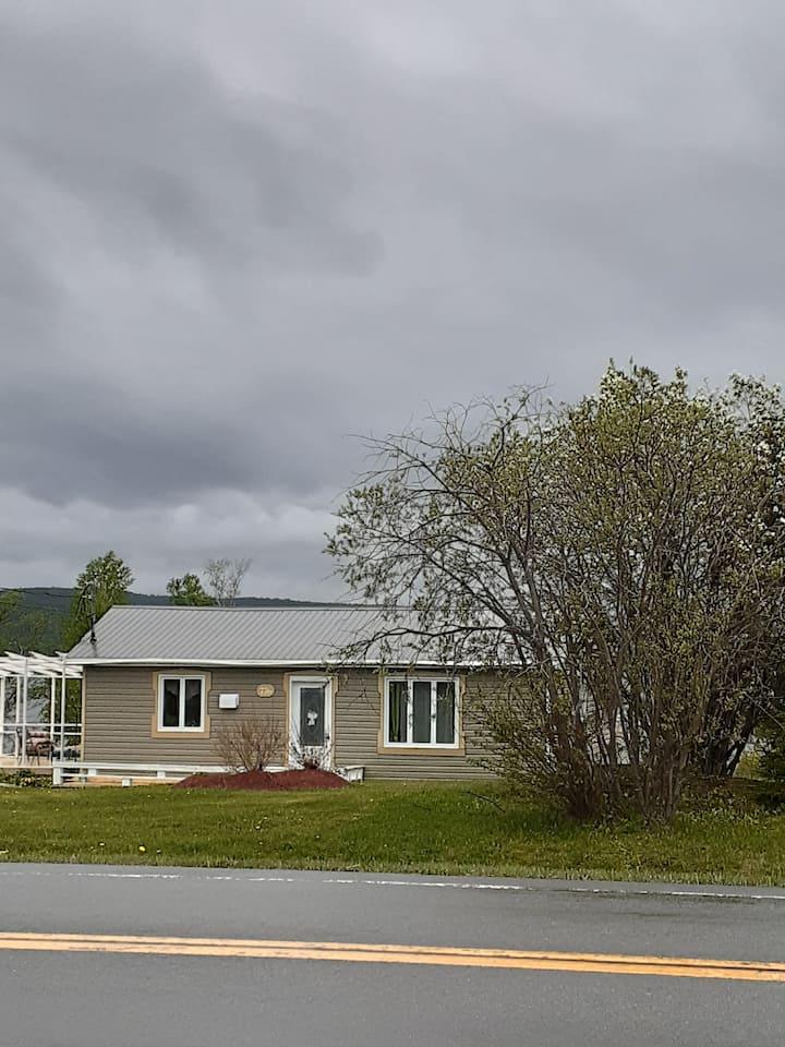 Maison vue sur la baie de Gaspé
