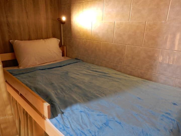 12 bed mixed dorm 8023A
