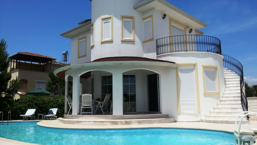 private villa. with private swimming pool - Serik - Casa de camp