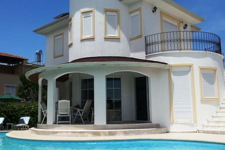 private villa. with private swimming pool - Serik