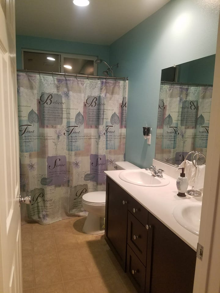 Coachella Private Room, shared bathroom. (Blue)