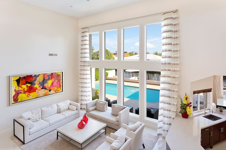 The Pearl Of Fort Lauderdale - A luxury 5bed villa