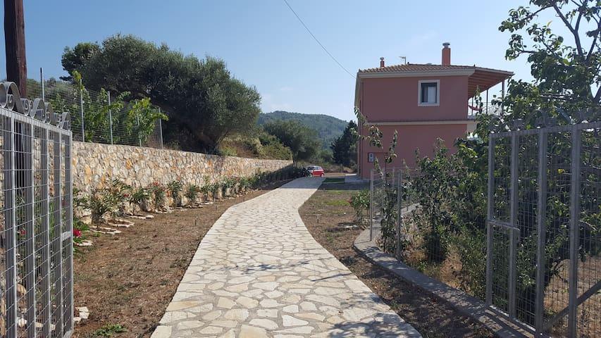 Villa Grante Vista - Tsoukalades - House
