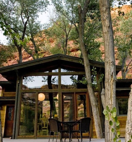 40 Acre Retreat in the Escalante Canyon