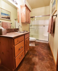 Private Room with Bath at Weiser Executive Retreat - Weiser - Other