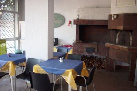 Singola San Cataldo - San Cataldo - Huvila