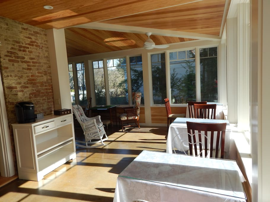 Sun porch dining
