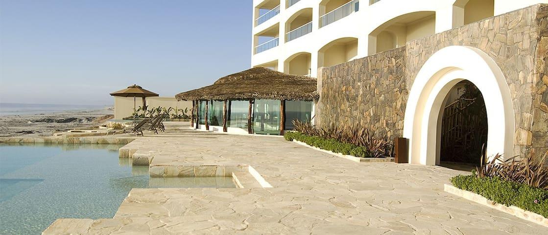 Shared pool/hot tubs, gym & sauna