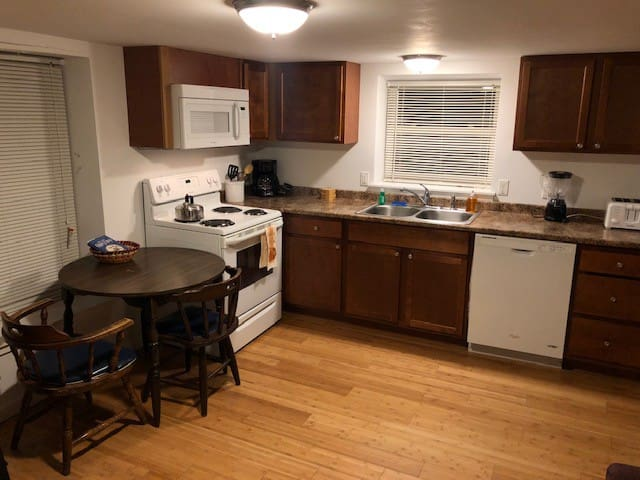 Cozy Affordable Unit at the Lodge