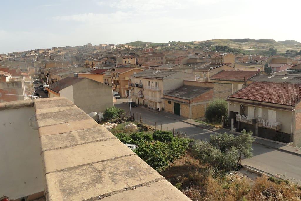 vue de la vaste terrasse sur le toit