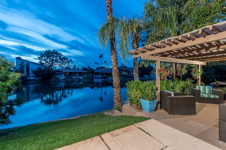 Tempe Lakeside Bungalow - 5 Star Retreat - Tempe - House