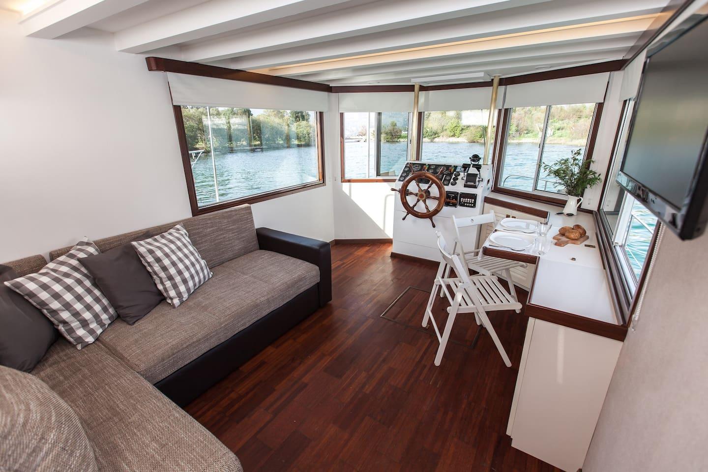 SeaHome Living room.