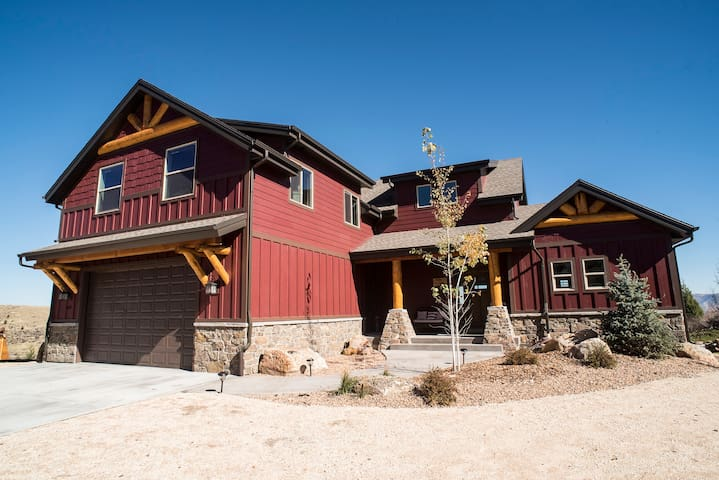 New Luxury cabin Bear Lake Utah - Garden City - Blockhütte