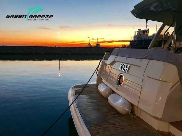 Yacht 48 Sleep on board