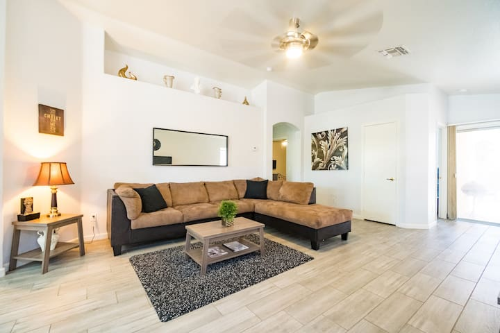 Clean and Spacious 3 Bed 2 Bath Private Home