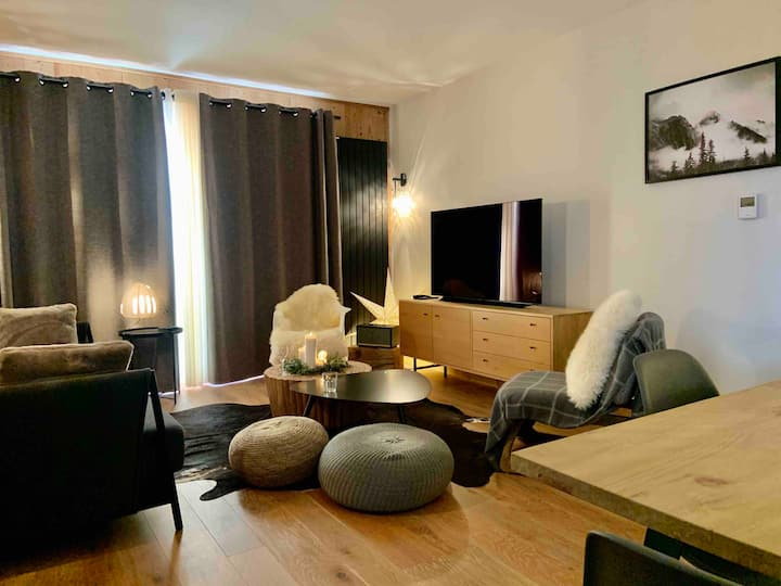 Gorgeous 5* 3 bedrooms, ski in/ski out w/ terrace