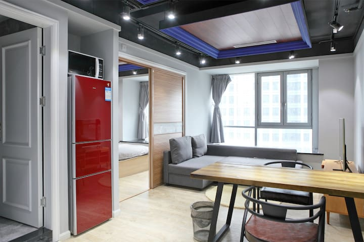 650 sq ft. upscale apt@Downtown Subway+Gym Access - 上海 - Serviced apartment