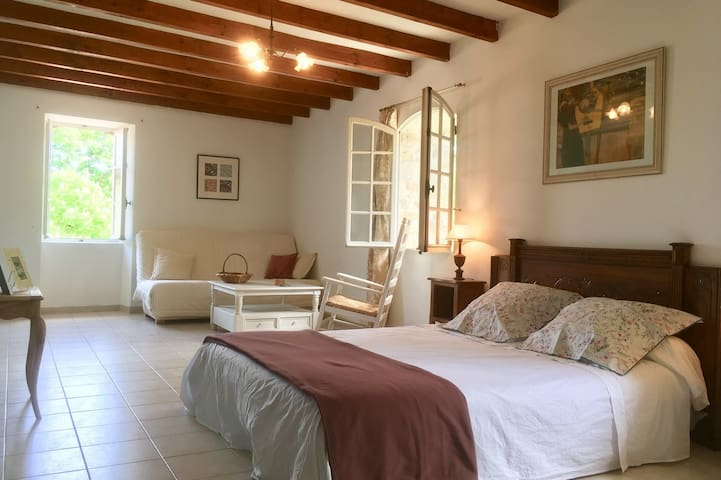 Bed and Breakfast near Anduze 36m2  family mansion