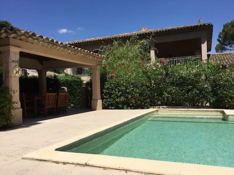 Villa en Triplex avec piscine à l'Escalet