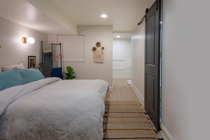 Modern, Charming, and Private Guest Suite