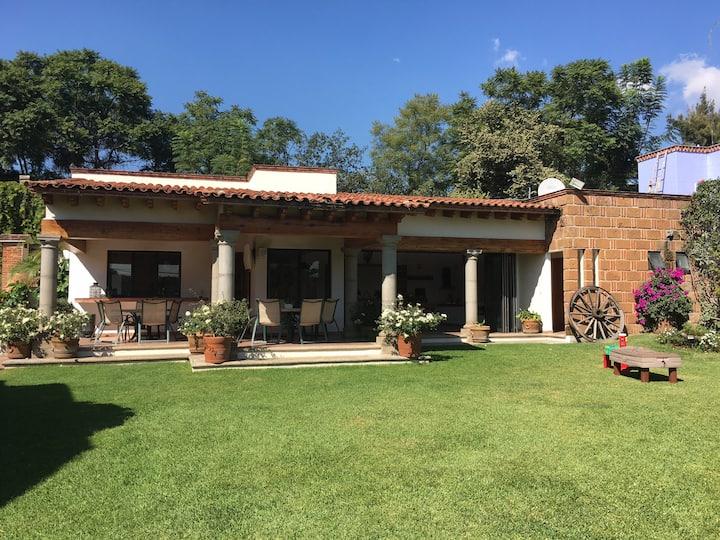 Hermosa residencia con excelente ubicación