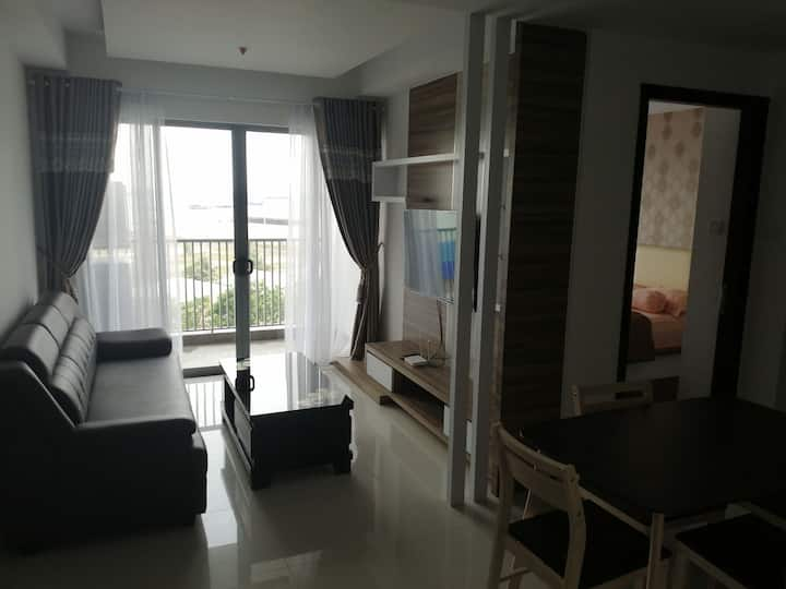 Apartment next to Harbour Bay ferry terminal!