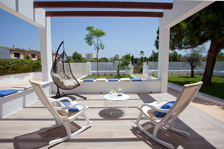 Brand-new Villa with pool, 500m from the beach