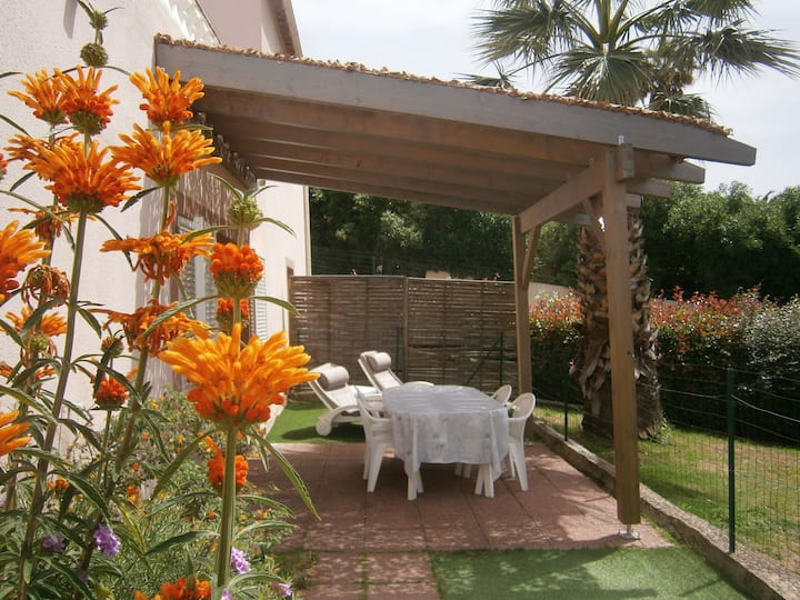 rez de villa  f2  terrasse, 4 pers