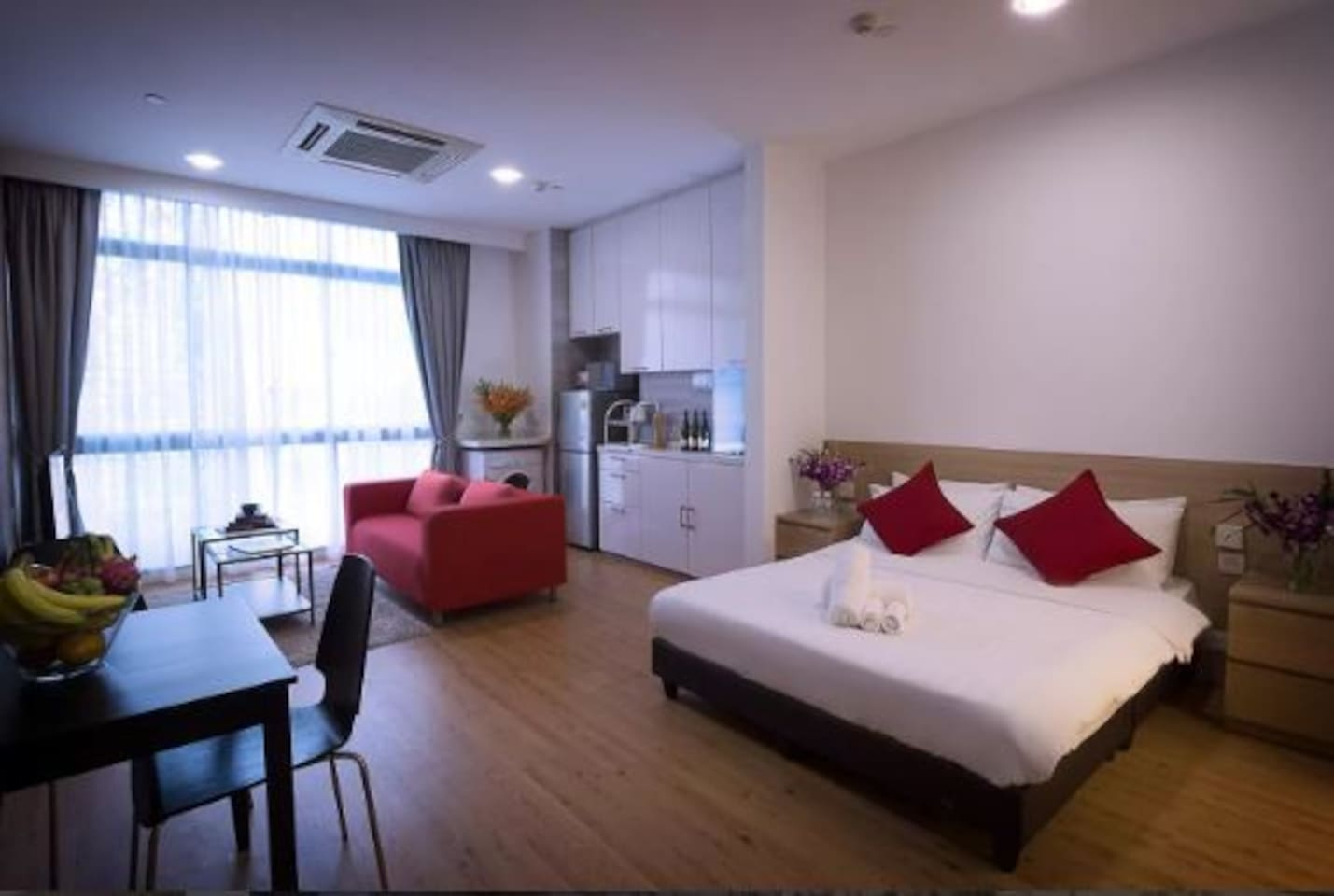 luxury serviced apartment in orchard near subway1 serviced