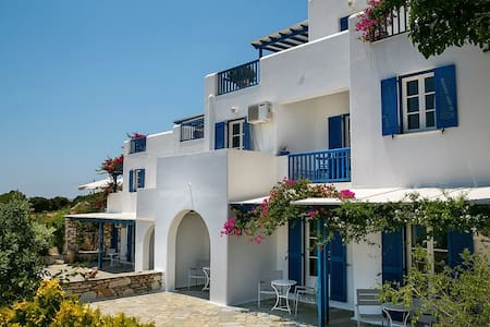 New listing! Drios Paros Room for 3 people - Drios