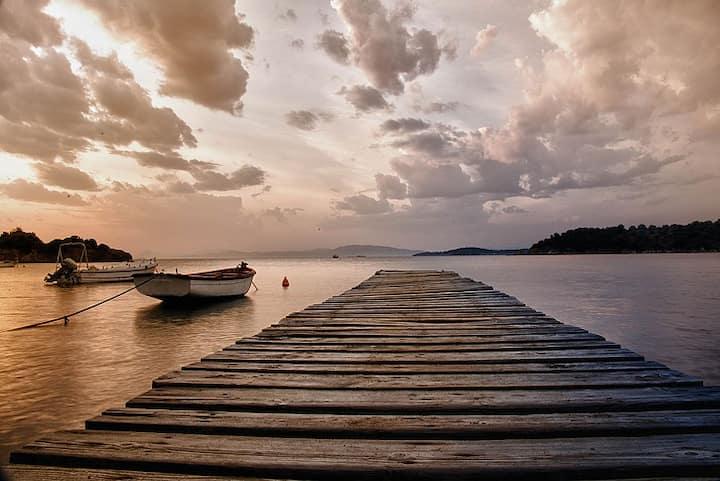 Trikeri Island (Greece), Villa Alkesamos sleeps 4