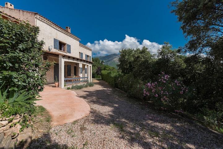 Grand Rez de villa, proche d'Ajaccio.