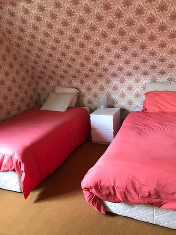 Chambre 5 : 2 lit simples 110cm