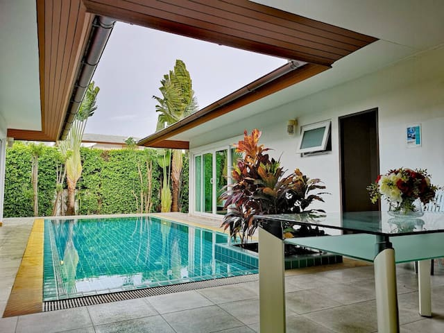 Rose Pool Villa @ Seabreeze Pattaya