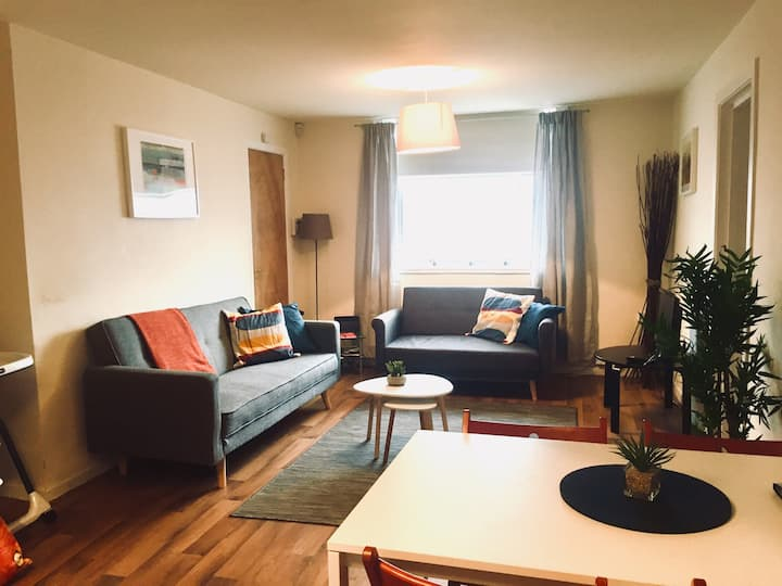 2 bed,ground floor,15-20 min walk to Cathedral Qtr