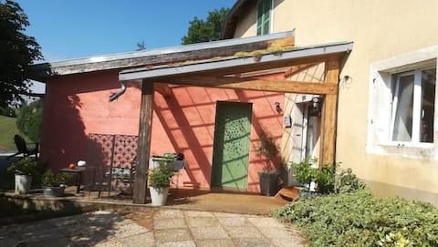 1-4 guest cottage