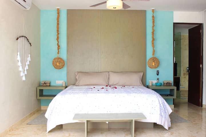 Luxury 3 BDR private pool & resort amenities