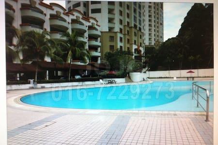Aloha condo Super Master Bedroom - Johor Bahru - Daire