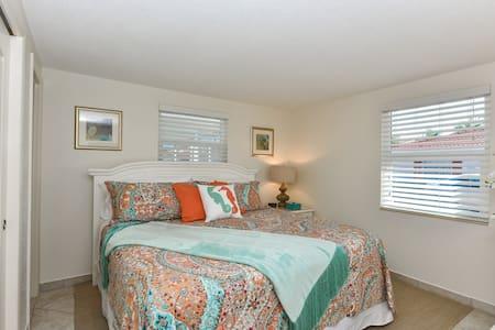 Best Private Villa at Siesta Key - Siesta Key
