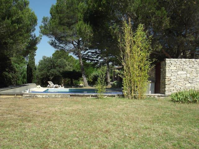 Villa a Saumane de Vaucluse