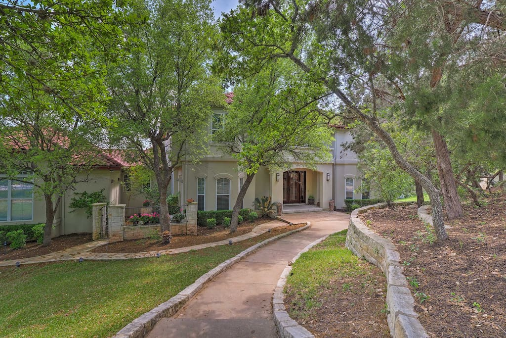 Have the ultimate Austin getaway at this lavish vacation rental house!