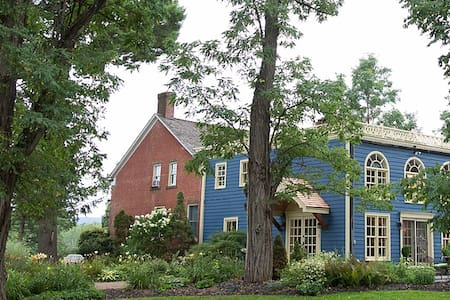 Hudson Valley Dutch Farmhouse B&B - Stone Ridge - Hus