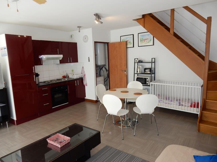 maison de ville n 1 lofts for rent in grenoble rhone alpes france. Black Bedroom Furniture Sets. Home Design Ideas