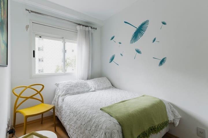 Bedroom at nice apto, 2 blocks from paulista av.