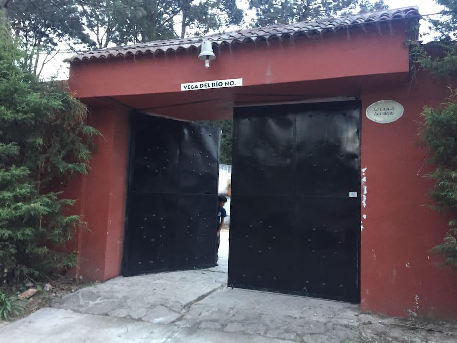 Portón de Entrada