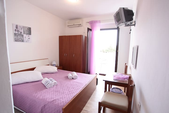 BIJELI GALEB  ROOM 1 - Marina - Bed & Breakfast