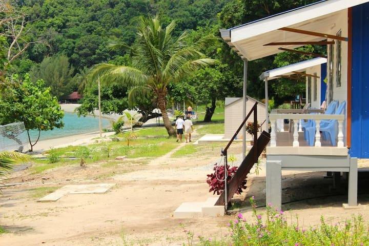 Beach Front Wild Pasir Panjang Villa ,Pulau Tuba