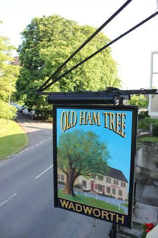 Old Ham Tree Room 2