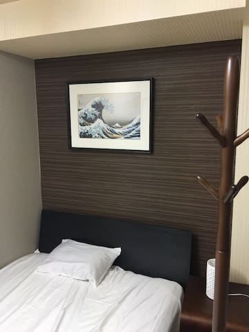 Private sleeping room E with shared bath room